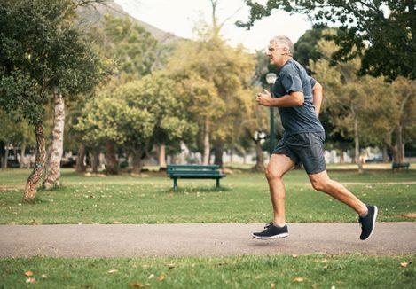 Оздоровительный бег: польза, противопоказания, тренировки