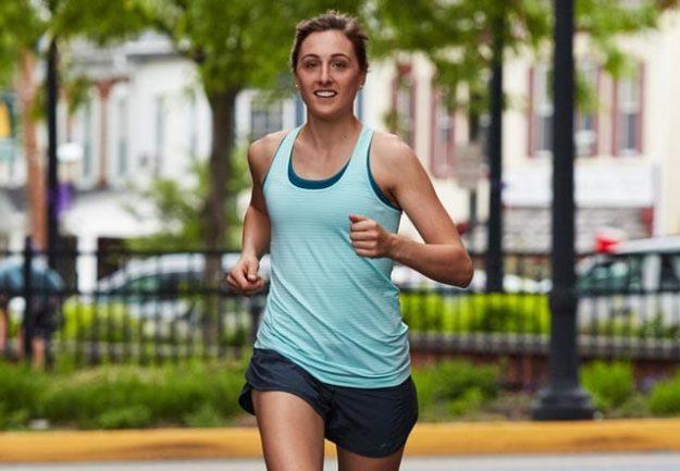 В чём бегать летом: 6 правил выбора одежды для пробежки